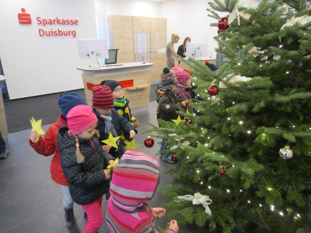 Weihnachtsbaum Schmücken Kindergarten Christus König